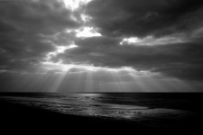 Mon amour est un corbeau (Poème 1), Le bateau de la vie (Poème 2), par Imène Bensitouah