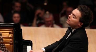 Les Moments forts (7): Evgeny Kissin au Théâtre des Champs-Élysées, par Matthieu Gosztola