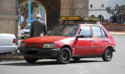 Les Folles Histoires de Ahlem B. (1) Le Vieux Petit Taxi